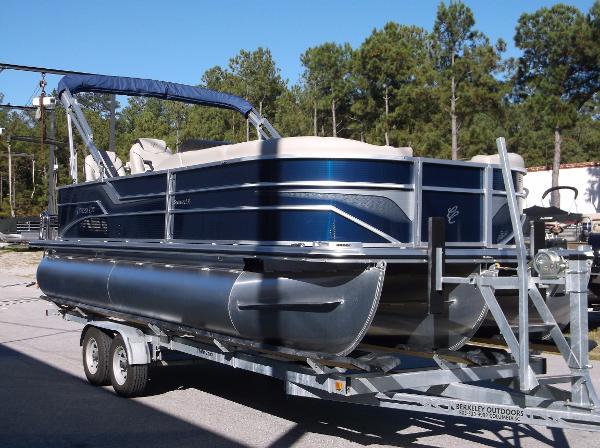 Cypress Cay Seabreeze 233 FC- Fish & Cruise