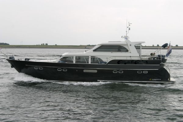B. van de Hoven Exclusive 1600 Wheelhouse