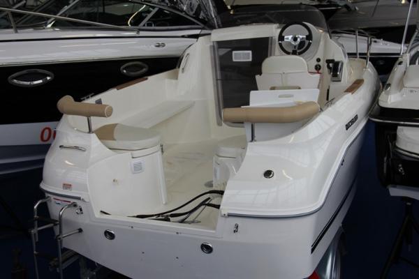 Quicksilver Activ 510 Cabin