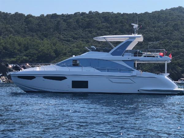 Azimut 60 Flybridge MY 2018 IMG-1897