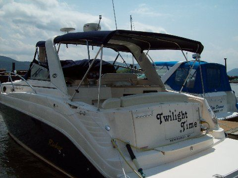 Rinker 342 Fiesta Vee Photo 1