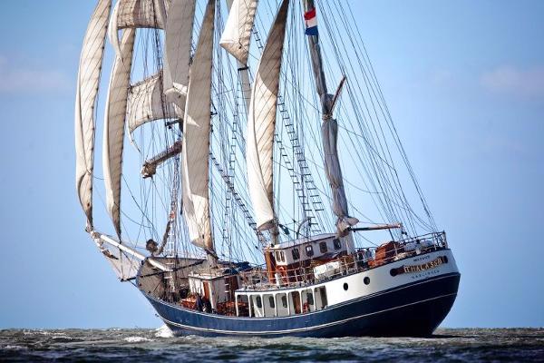 BARQUENTINE three mast barquentine
