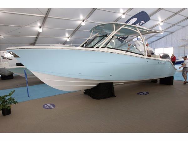 Cobia Boats 280 Dual Console