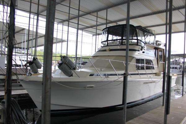 Chris-Craft 480 Catalina