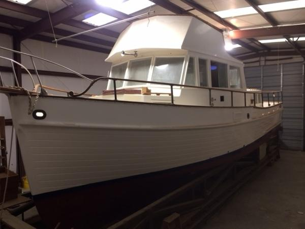 Grand Banks  36 Classic Trawler 36' Grand Banks port bow to stern