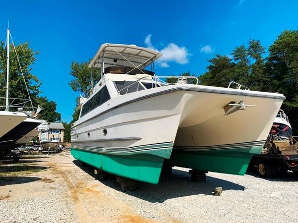 Carri-Craft Catamaran 48 Power Cat