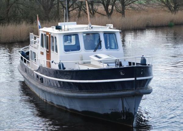 Dutch Classic Motoryacht