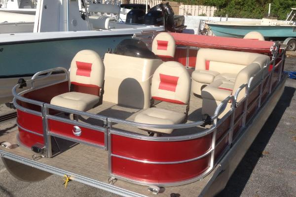 Landau 20' Fishing Pontoon