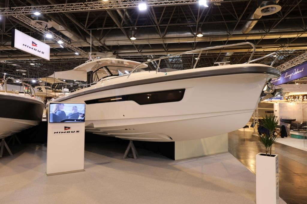 Nimbus T11  Ausstellungsboot