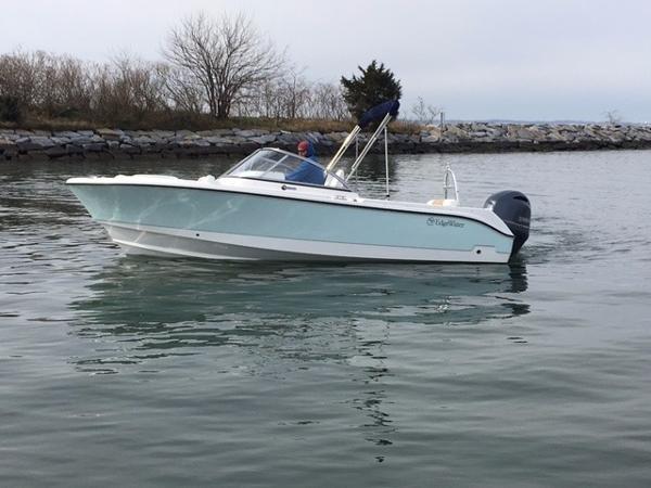 Edgewater 205 CX