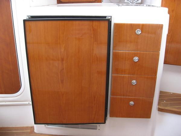 Refrigerator / Storage