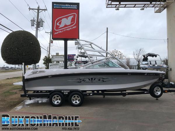 Correct Craft Super Air Nautique 236 Team Edition