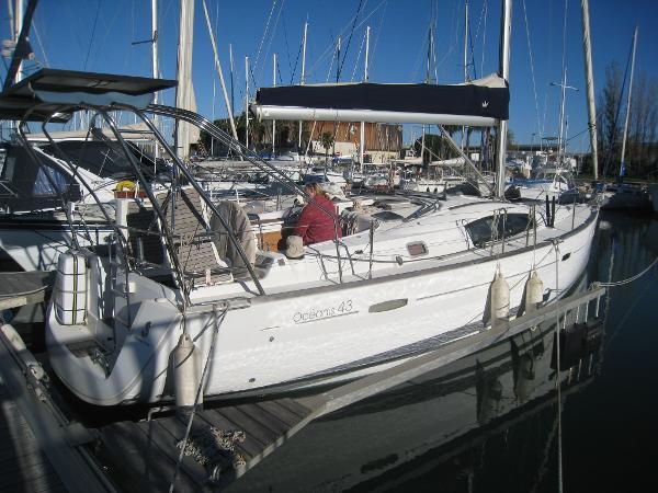 Beneteau Oceanis 43 bateau_beneteau-oceanis-43_4216825.jpg