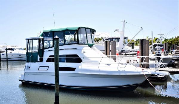 Mainship Aft Cabin Motoryacht Profile