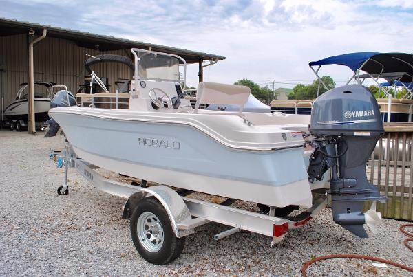 Robalo 160 Center Console 2017-Robalo-160-Center-Console-Fishing-Boat-For-Sale