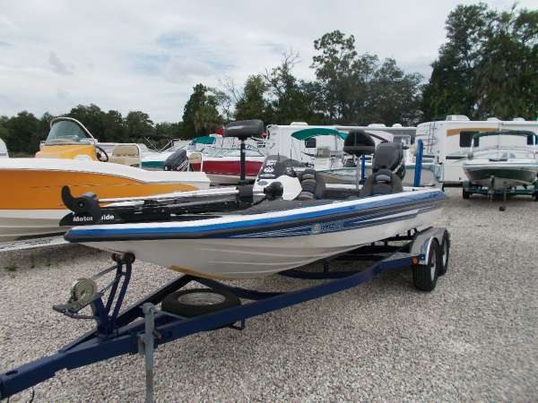 Champion Boats 200 Dc Elite