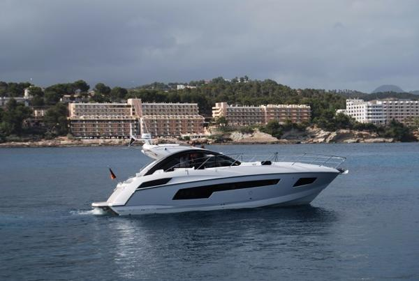 Sunseeker Portofino 40 with STABILIZER!