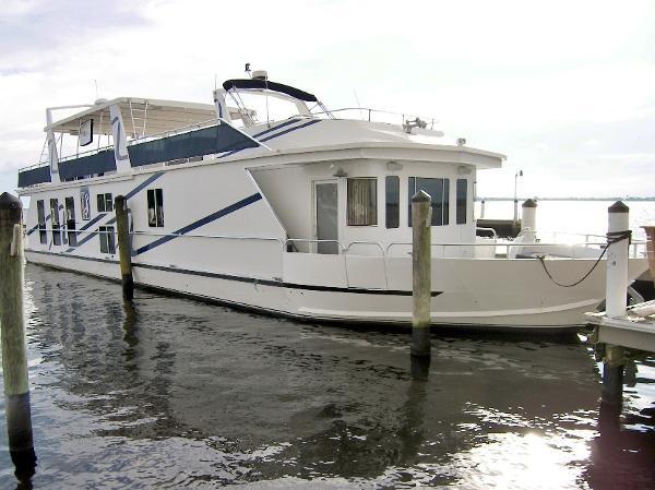 Fantasy 85' Coastal Yacht Main Photo