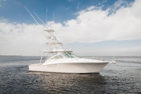 Cabo 38 Express Starboard Profile