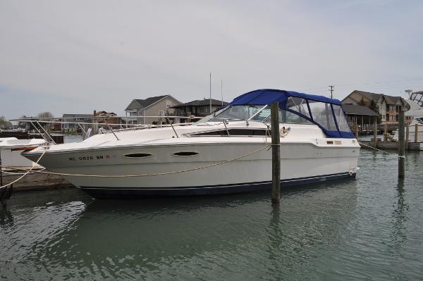 Sea Ray 300 Weekender
