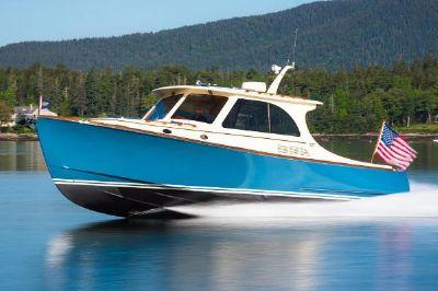 Hinckley Picnic Boat 40 S Manufacturer Provided Image