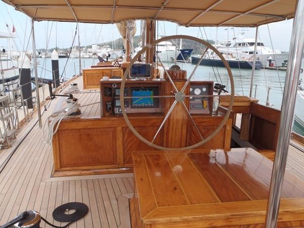 Custom Ketch Classic Yacht 28m Cockpit