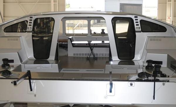 MC² 53 Cockpit