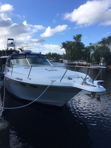 Sea Ray 370 Express Cruiser 1997 Sea Ray 370 Express Cruiser - Strbrd Bow