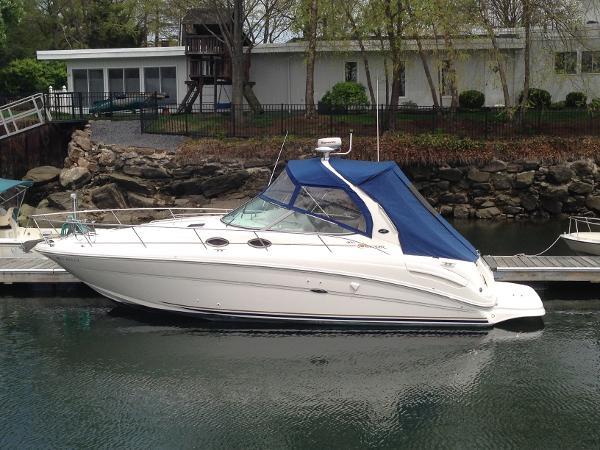 Sea Ray 300 Sundancer Profile
