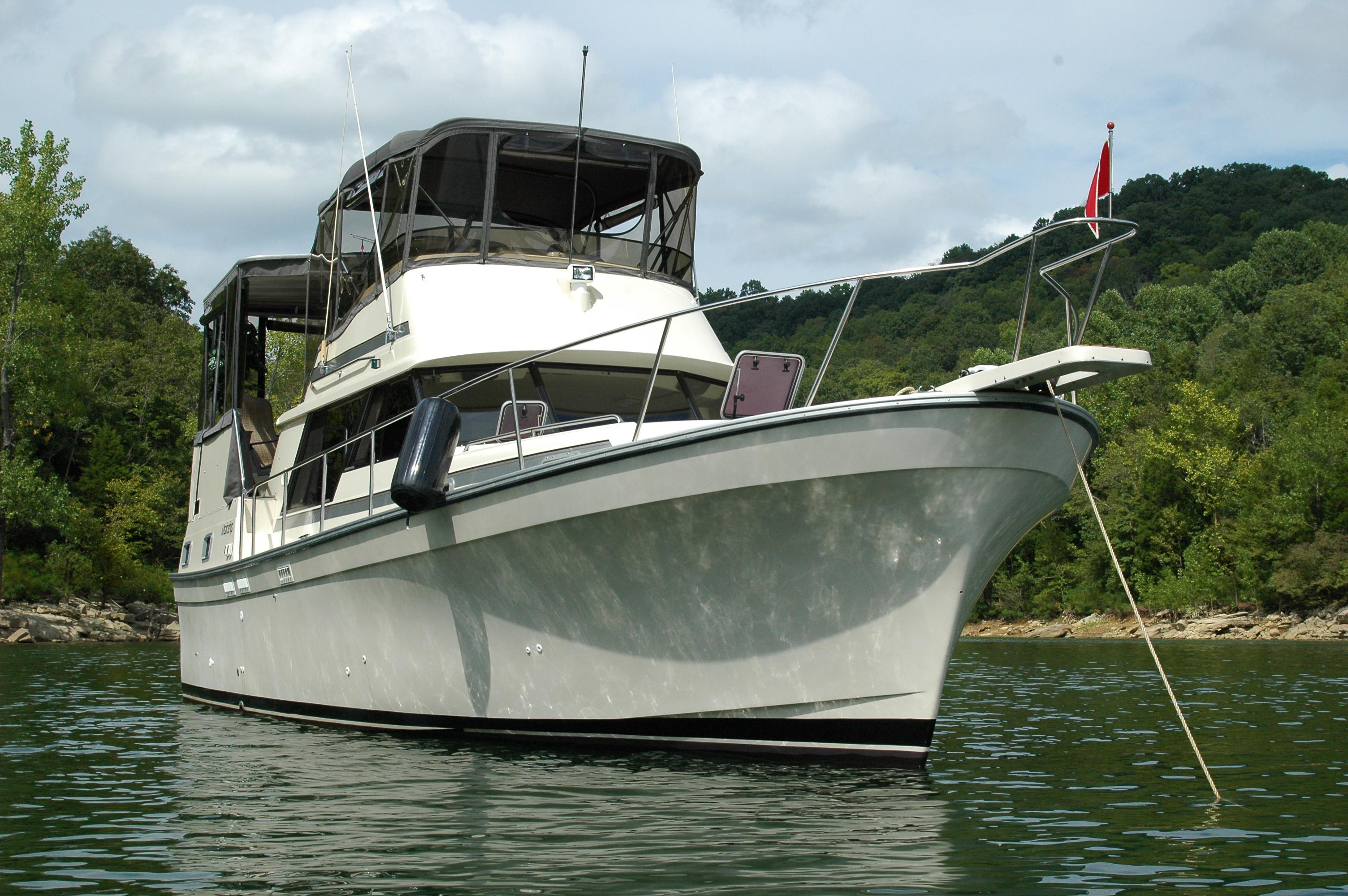 Mainship 36 Double Cabin Motor Yacht