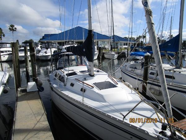 Hunter 33.5 Profile