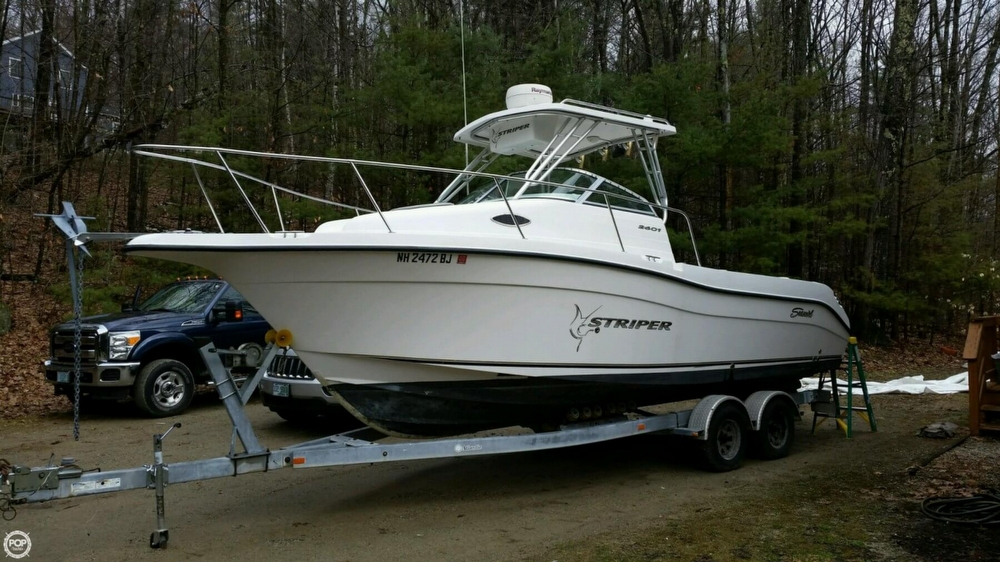 Seaswirl 2601 Striper 2004 Seaswirl Striper 2601 WA for sale in Deering, NH