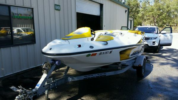 Sea-Doo Sport Boats 150 Speedster  (215 hp)