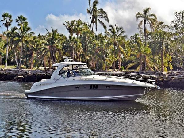 Sea Ray 44 Sundancer Main Profile
