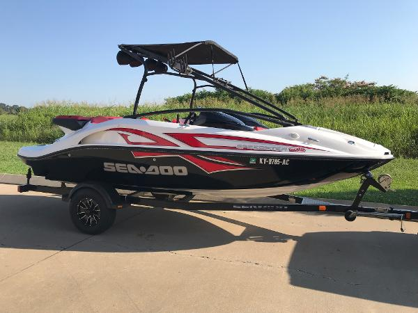 Sea-Doo Sport Boats Speedster 200 Wake