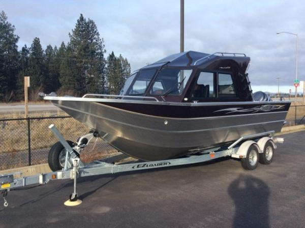 Thunderjet Alexis Outboard Offshore