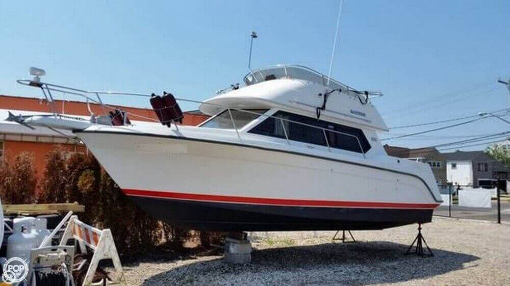 Carver 280 1992 Carver 26 Command Bridge for sale in Brooklyn, NY
