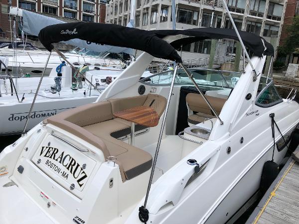 Sea Ray 280 Sundancer At Dock