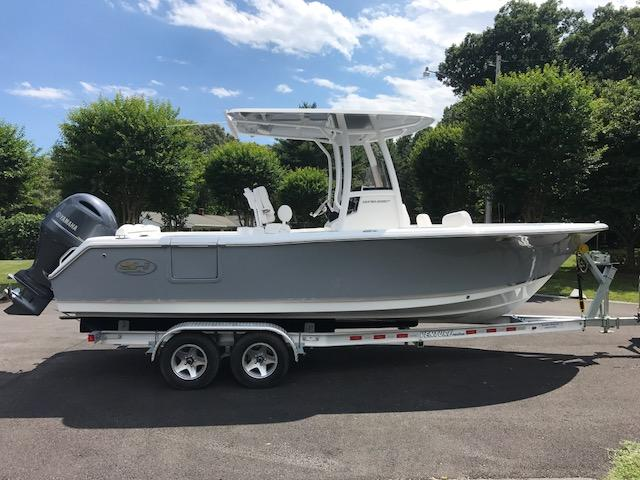 Sea Hunt Ultra 235 SE Sea Hunt 4.jpg