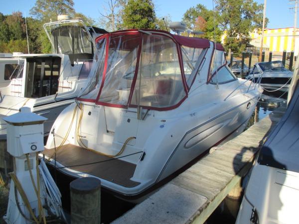 Maxum 3300 SCR Starboard Quarter