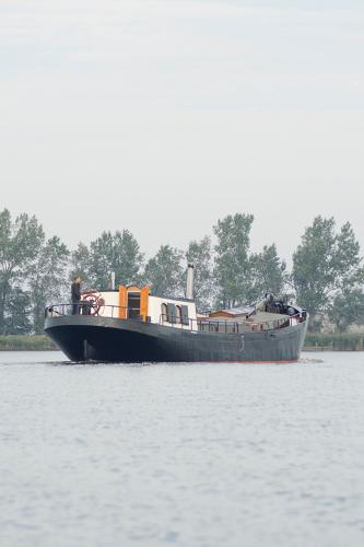 Barge luxe motor