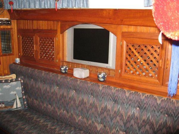 Main cabin starboard