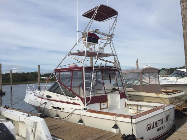 Blackfin Yachts 32' Combi Express model