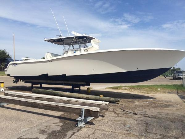 Invincible 42' Invincible Center Console RED TIDE