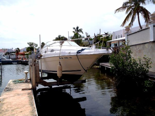 Sea Ray 25 Cruiser
