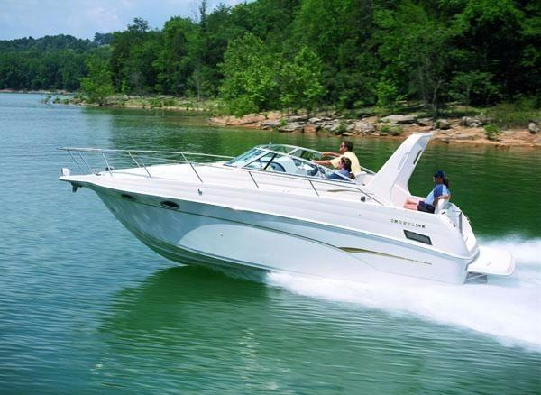Crownline 290 CR Cruising