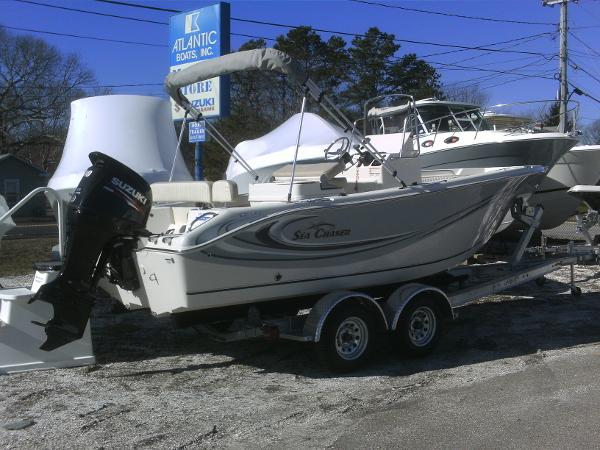Sea Chaser 20 HFC CENTER CONSOLE