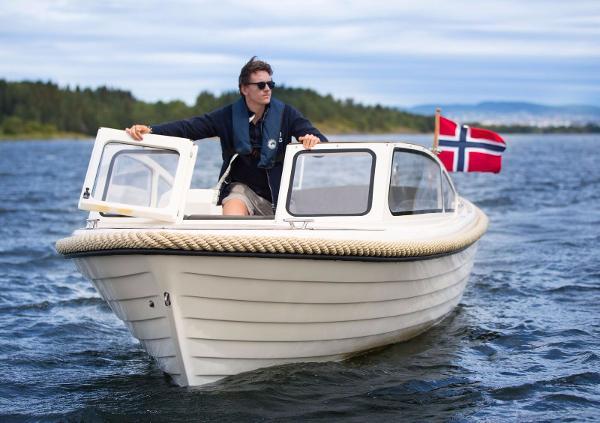 Admiral Solvig 23
