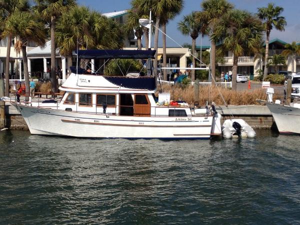 Albin 36 Trawler Portside