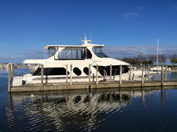 Bluewater Yachts 5800 Millenium